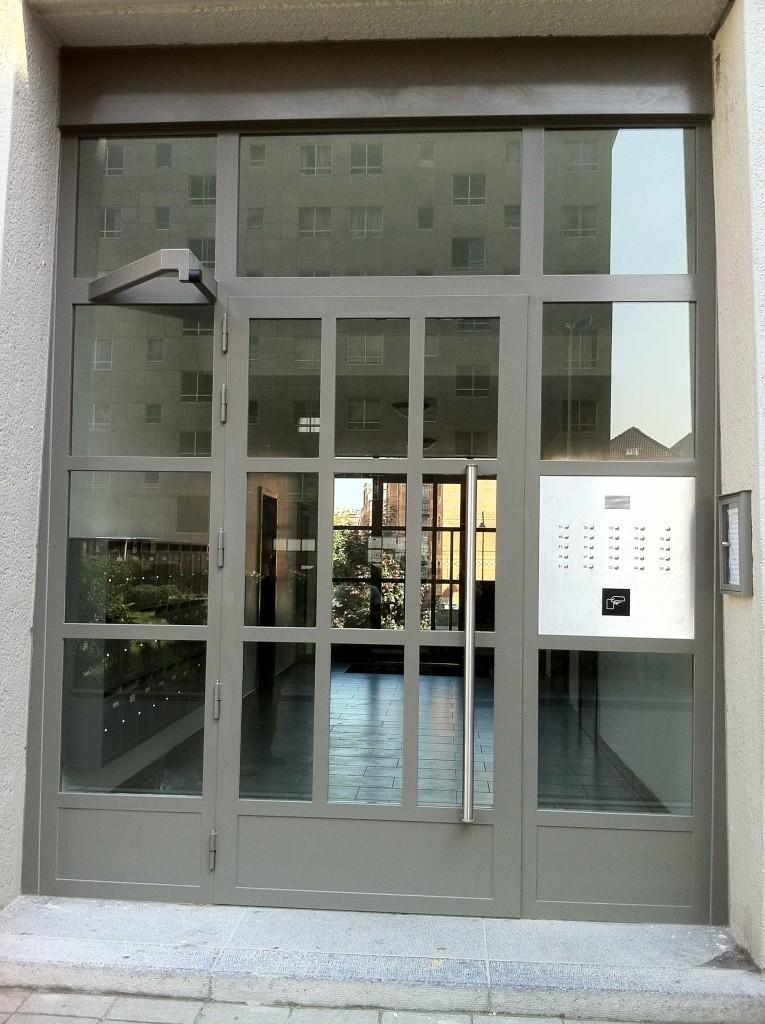 Enkele deur inkom flats 1