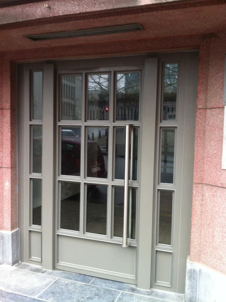 Enkele deur twee zijlichten 2