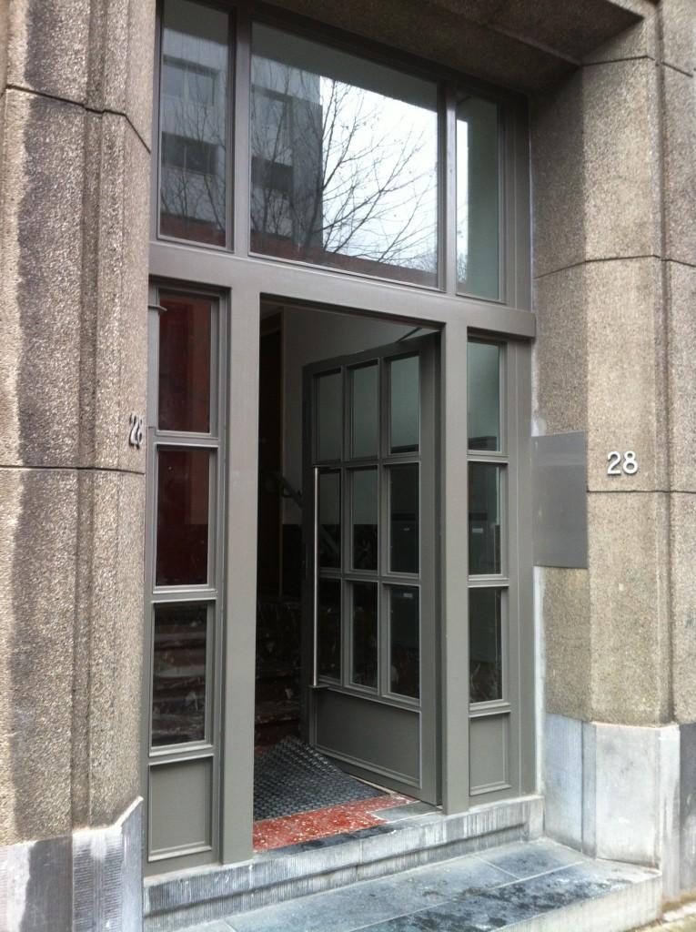 Enkele deur twee zijlichten en bovenlicht 1